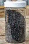 "Black_pearl.jpeg - ""Black pearl"" 20kg<br /> (Juoda blizgi) Dekoratyvinė skalda (1-3mm) 20kg<br /> Kaina: 10,00€"